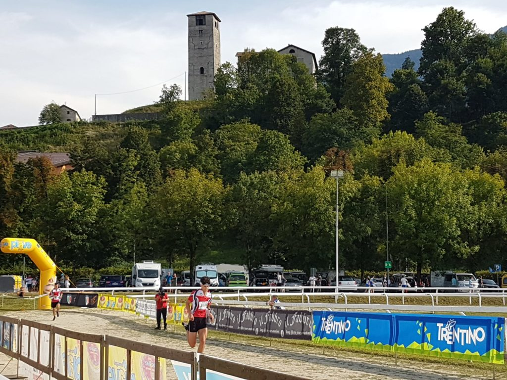 Atleti besanese all'arrivo della sprint di Feltre.